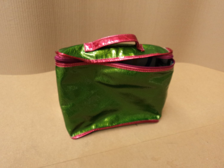 London Soho Handbag Purse Tote Female Adult Multi-Color Geometric