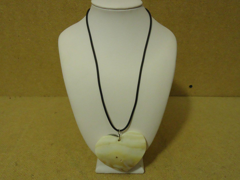 Designer Fashion Necklace 18in L Drop/Dangle Sea Shell Female Silver/White/Black