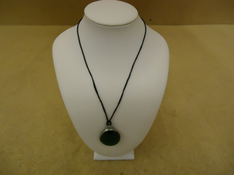 Designer Fashion Necklace 16in Drop/Dangle Glass Metal Female Adult Green/Black