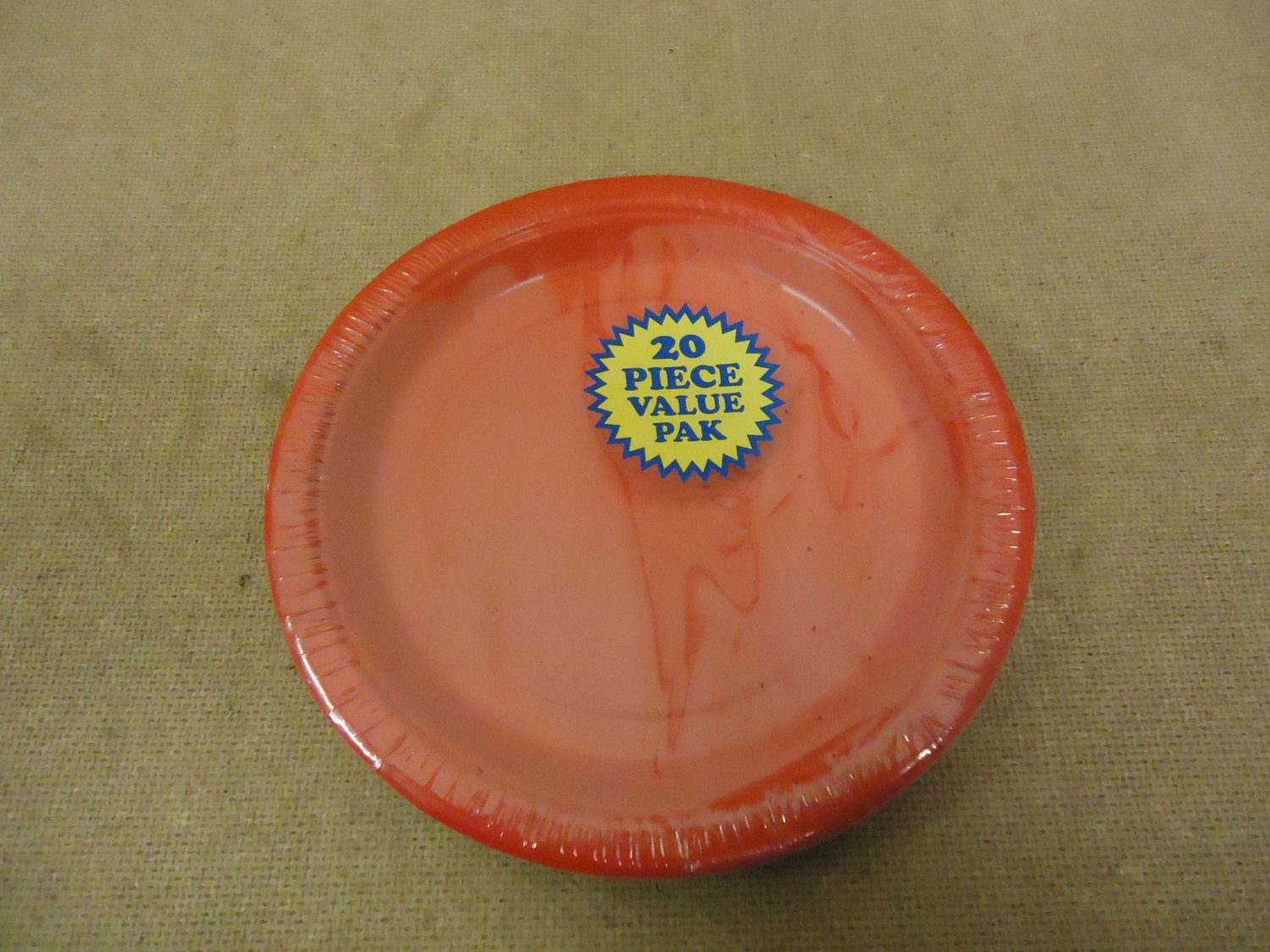 Unique Paper Plate 7in Diameter Red Package of 20 31454