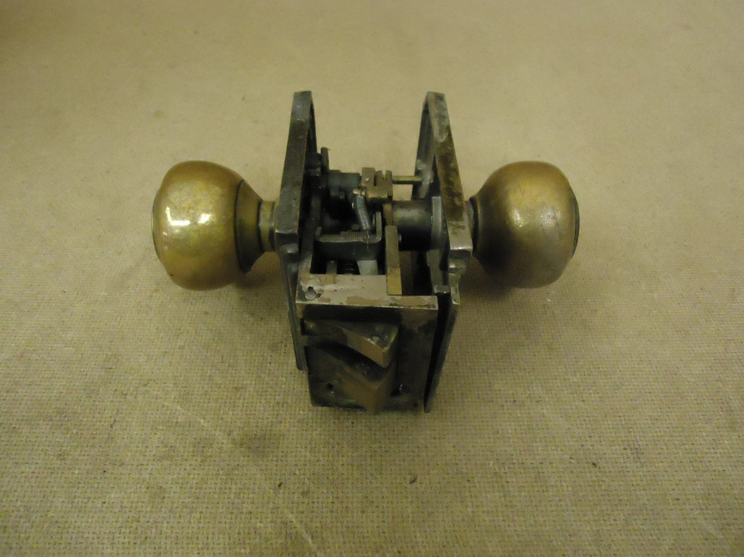 Sargent Keyed Door Knob Set Brass Moritse Lock LB751 Vintage