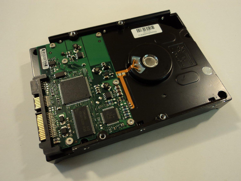 Seagate 80 GB Internal Hard Drive SATA 3.5-in 7200 RPM 7200.9 9BD131-303