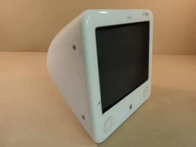 Apple eMac PowerMac 4 4 PowerPC 7445 G4 17in 80GB Hard Drive 1GHz A1002 EMC 1955