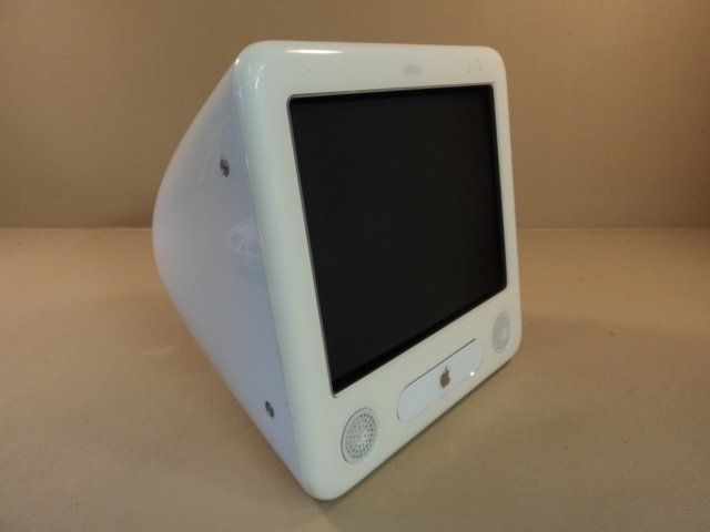 Apple eMac PowerMac 4 4 PowerPC G4 17in 700MHz 40GB Hard Drive EMC 1903 A1002