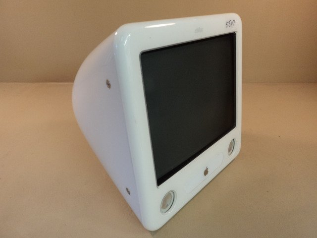 Apple eMac PowerMac 4 4 PowerPC G4 17in 800MHz 60GB Hard Drive EMC 1903 A1002