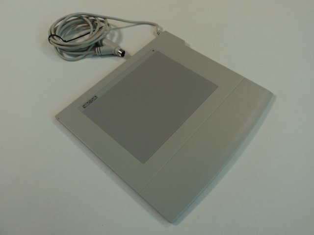 Wacom ArtPad II Tablet Graphics Digitizer Serial Plug 5 Inch KT-0405-A