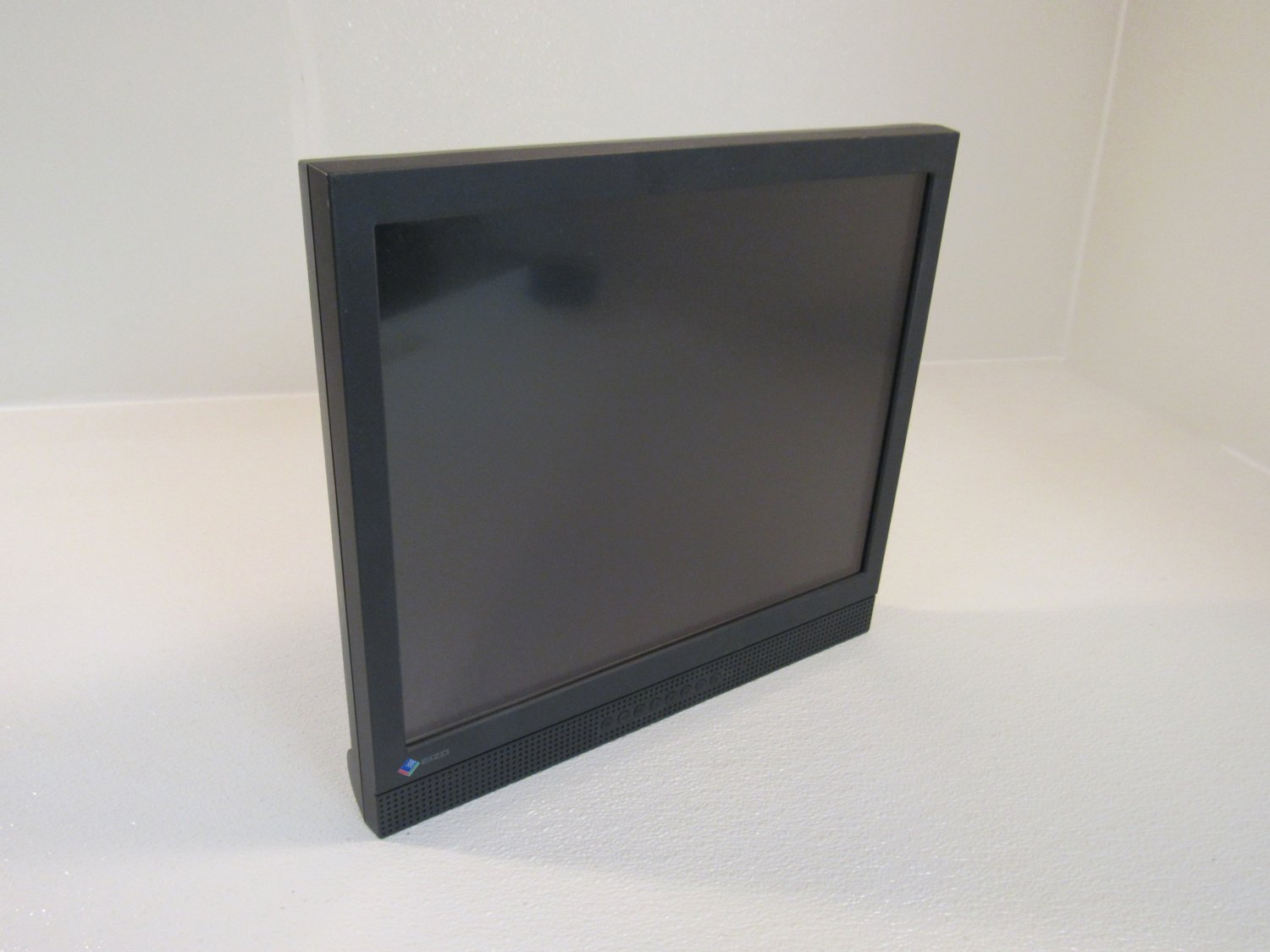 Eizo FlexScan 17 Inch Computer Touch Panel Flat Screen Color LCD L560T-C