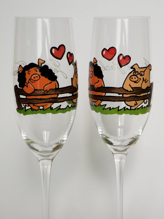 Set of 2 Personalized Champagne glasses Wedding theme Lovely Pigs