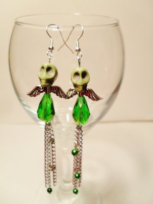 Skull earrings with drop beads and chains
