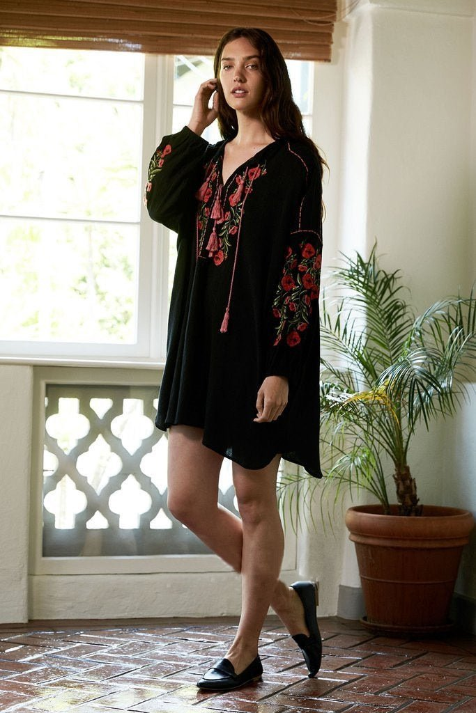 Women Boho Dress Long Sleeve V Neck Sexy Mini Dress Female Flower Embroidery Tassel Loose Dress Draw