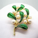 New noble lady dress brooch brooch birthday party gift wholesale girl leaves Brought the needle free