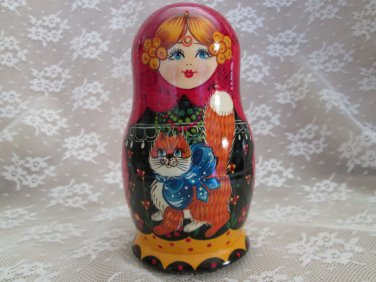 Russian Nesting Dolls - Girl with Cat