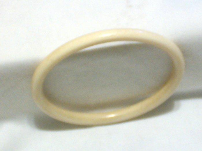 Vintage Ivory Bangle Bracelet ~ Smooth Finish