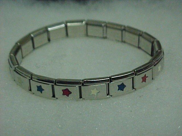 Red/White/Blue Metal Expandable Bracelet  A465 tnk-ent