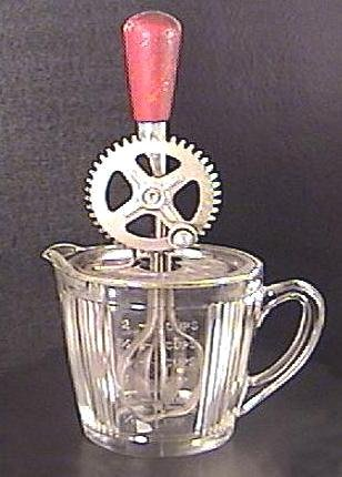 EKCO EGG BEATER w Glass MEASURING BOWL