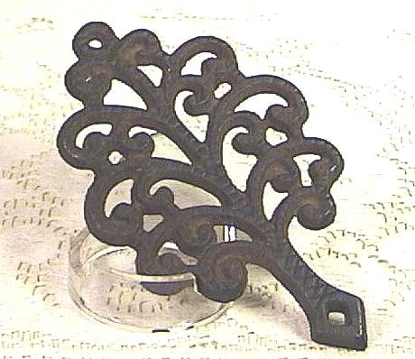 GRISWOLD Tree Of Life CAST IRON TRIVET