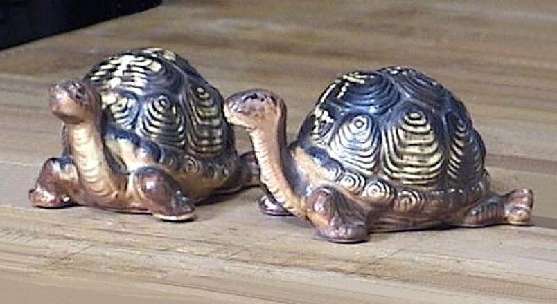 Vintage Tortoise Turtle Salt and Pepper Shakers