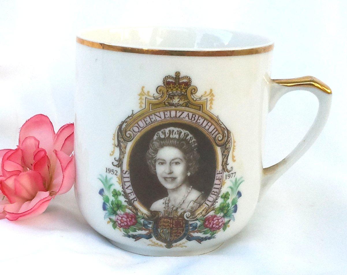 Queen Elizabeth Silver Jubilee 3.5 Inch Mug 1977