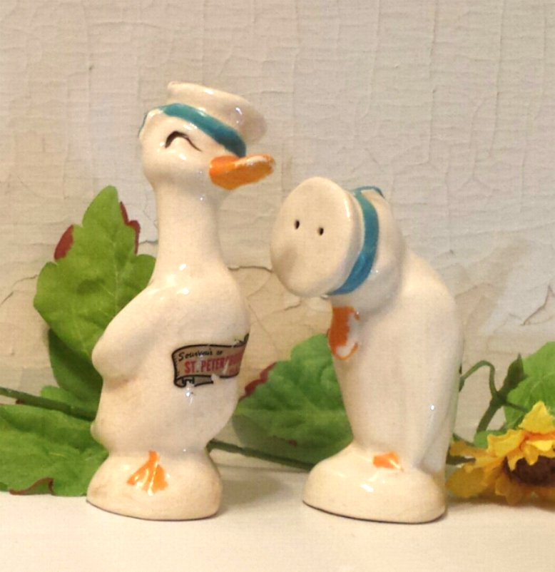 Geese wearing Sailor Caps Salt and Pepper Shakers Souvenir St. Petersburg Florida