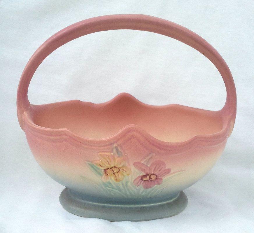 """Hull Matte Basket Iris Pattern 1940's Art Pottery 408-7"""""""
