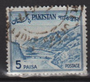 PAKISTAN 1961 - Scott 132 used - 5p, Khyber pass  (6-589)
