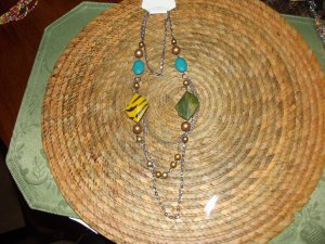 MULTI-COLOR BEADED NECKLESS