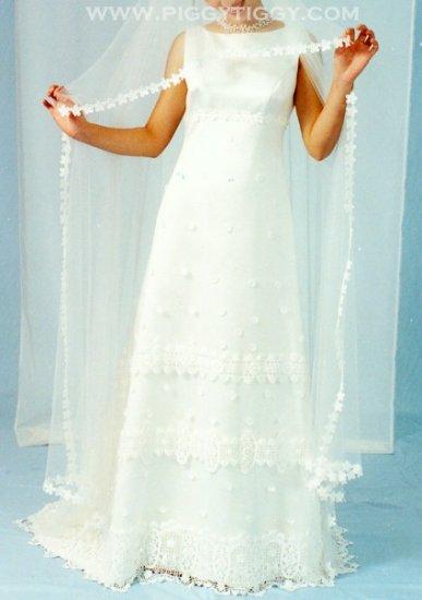 NEW SHEATH STYLE Wedding Gown Bridal Dress ELEGANT & CHIC SIZE 16 **Free Mantilla Veil**