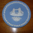 Wedgwood Jasperware 1975 Christmas Plate Tower Bridge