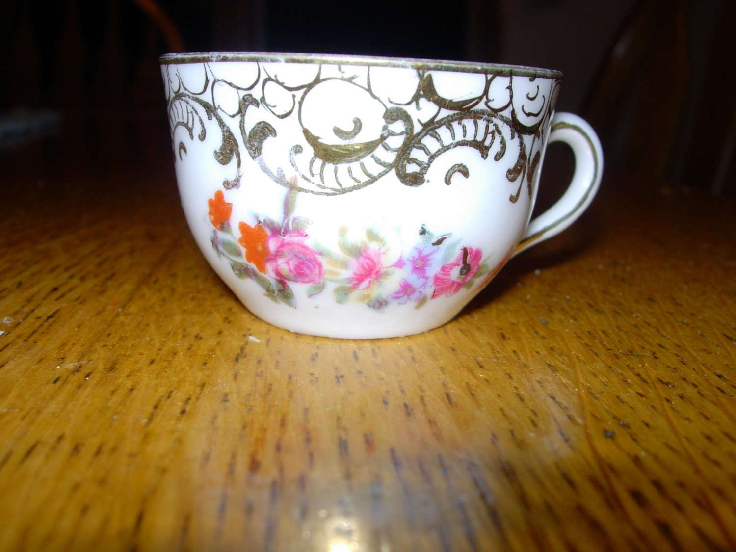 Vintage Childrens Rose Pattern Tea Cup with Double Sword Mark