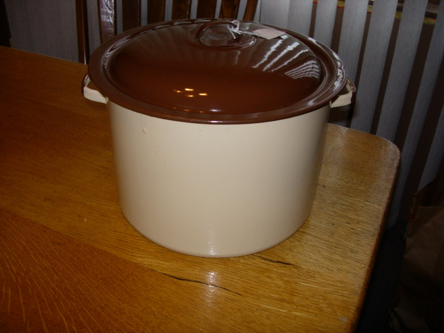 Vintage Tan Porcelain Enamelware Stock Pot with Brown Trim