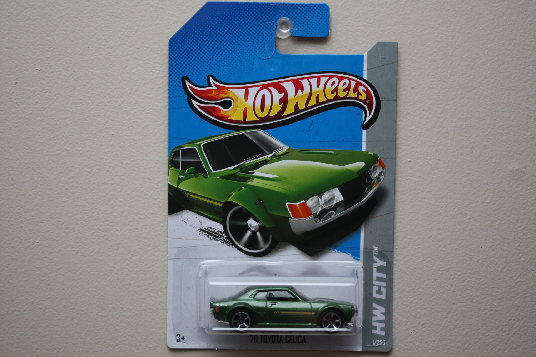 Hot Wheels 2013 HW City '70 Toyota Celica (green)
