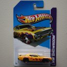 Hot Wheels 2013 HW Showroom '71 Plymouth Road Runner (yellow)