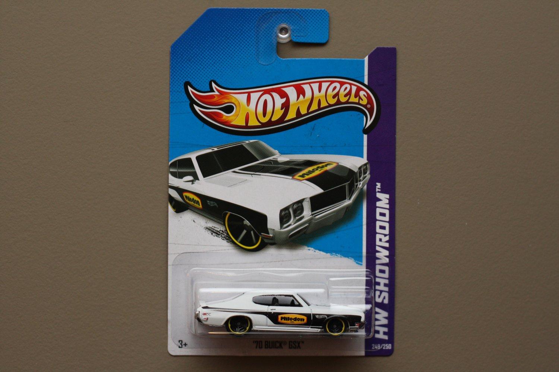 Hot Wheels 2013 HW Showroom '70 Buick GSX (white)