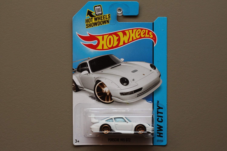 Hot Wheels 2014 HW City Porsche 993 GT2 (white)