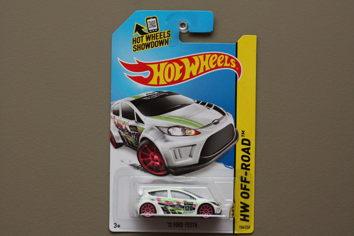 Hot Wheels 2014 HW Off-Road '12 Ford Fiesta (white) (Treasure Hunt)