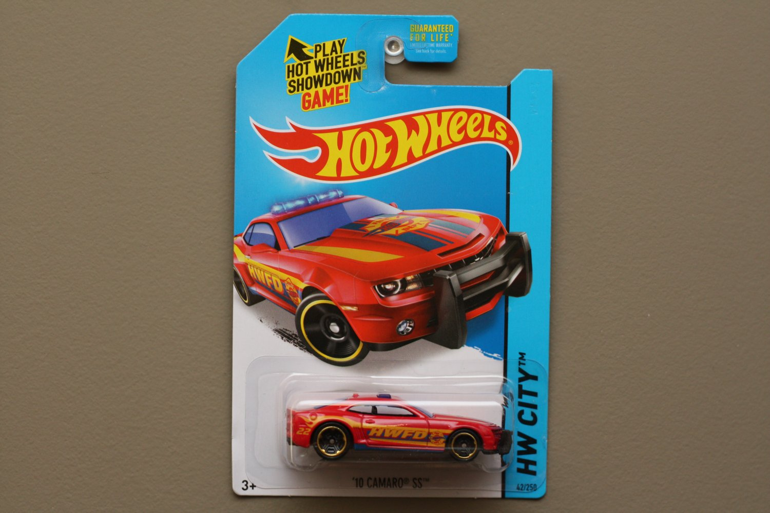 Hot Wheels 2014 HW City '10 Camaro SS (red)