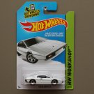Hot Wheels 2015 HW Workshop Lotus Esprit S1 (white) (James Bond 007)