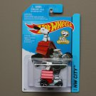 Hot Wheels 2015 HW City Snoopy (Peanuts) (red)