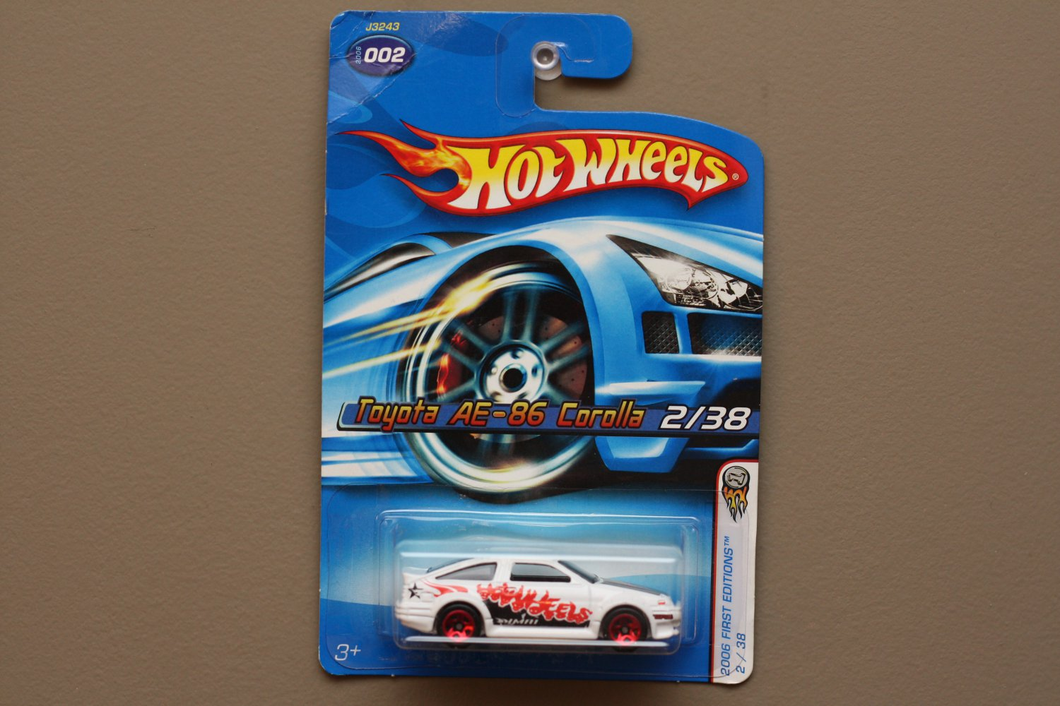 Hot Wheels 2006 First Editions Toyota Ae 86 Corolla White See Hotwheels Red Condition