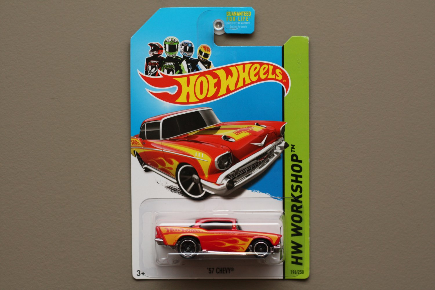 Hot wheels 2013 hw workshop 39 57 chevy red for 9 salon hot wheels mexico