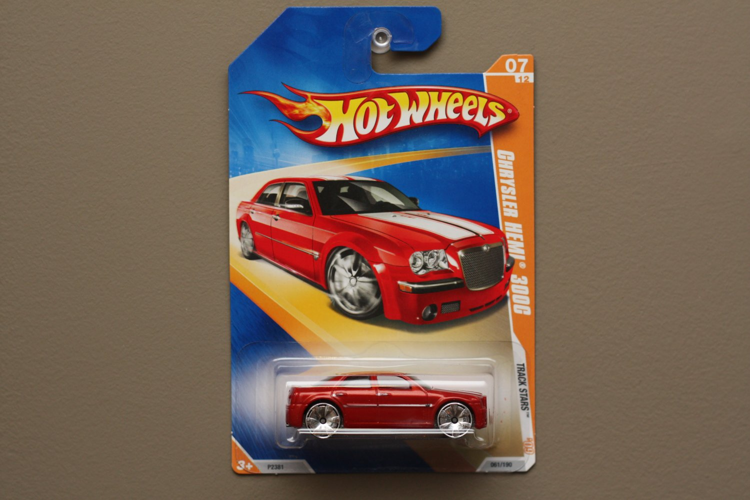 Hot Wheels 2009 Track Stars Chrysler HEMI 300C (red)