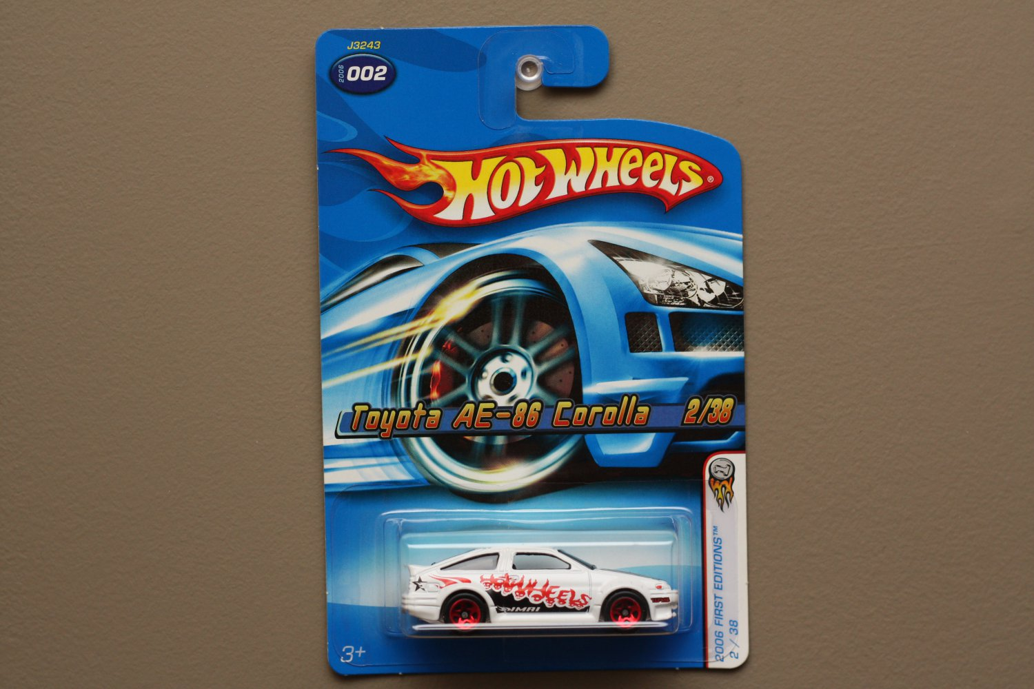 Hot Wheels 2006 First Editions Toyota AE-86 Corolla (white)