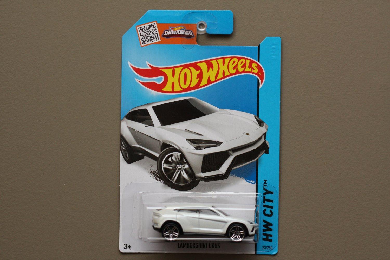 Hot Wheels 2015 HW City Lamborghini Urus (white) (SEE CONDITION)
