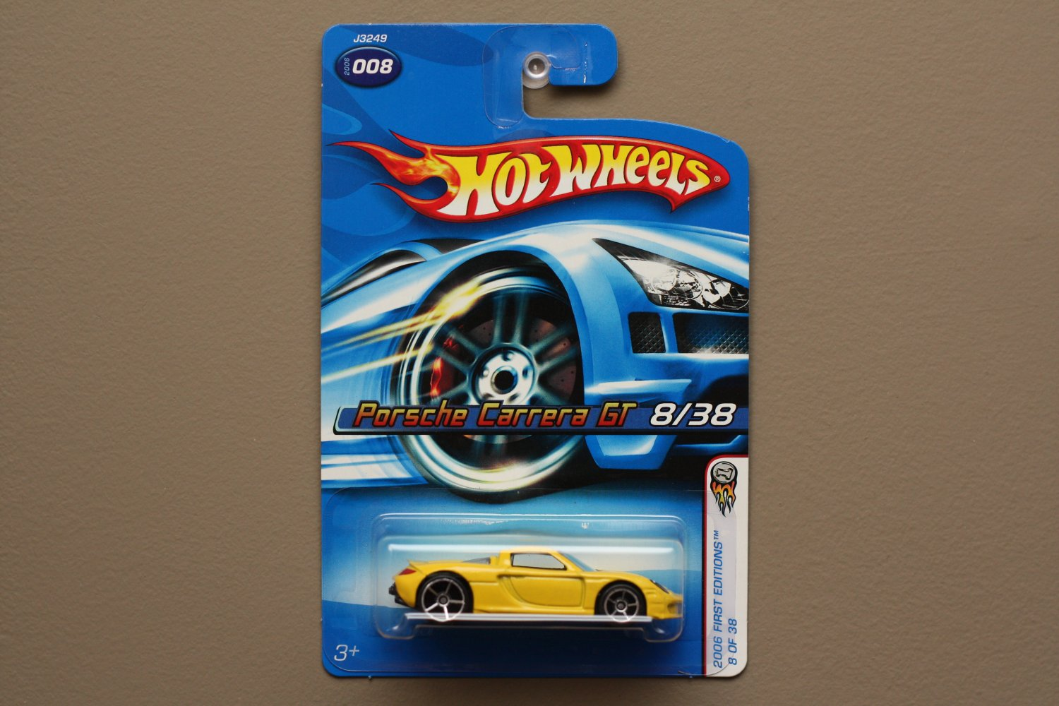 Hot Wheels 2006 First Editions Porsche Carrera GT (yellow)