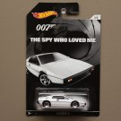 Hot Wheels 2015 James Bond 007 Lotus Esprit S1 (The Spy Who Loved Me)