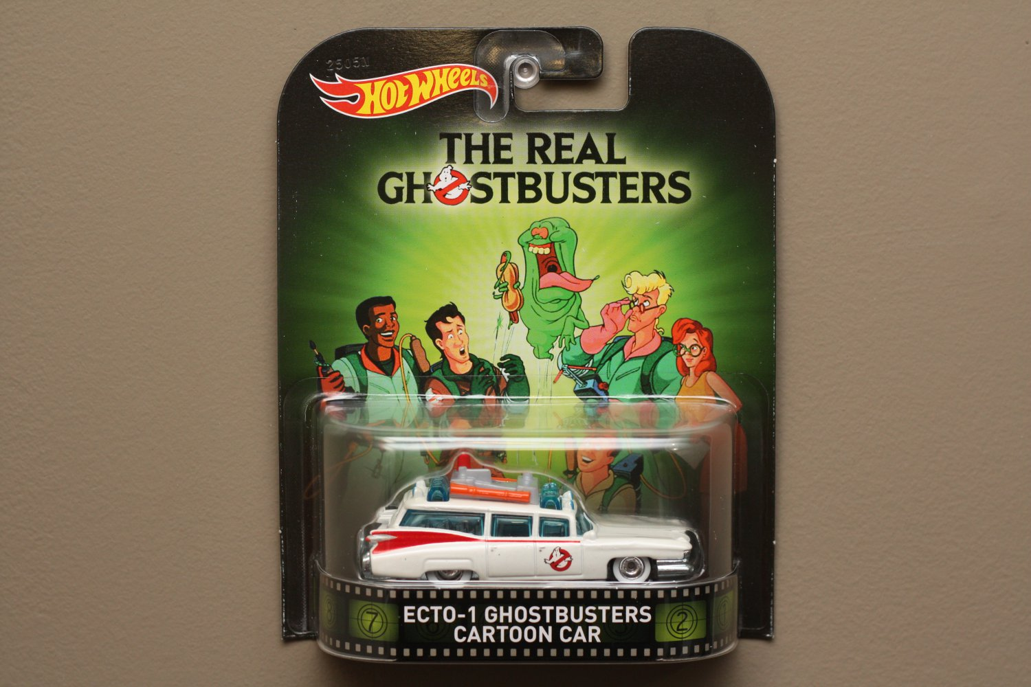 Hot Wheels 2015 Retro Entertainment Ecto-1 Cartoon Car (The Real Ghostbusters)