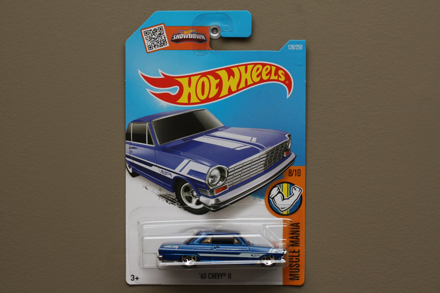 Hot wheels 2016 muscle mania 39 63 chevy ii blue for 9 salon hot wheels 2016