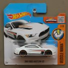 Hot Wheels 2016 Muscle Mania '15 Ford Mustang GT (white)