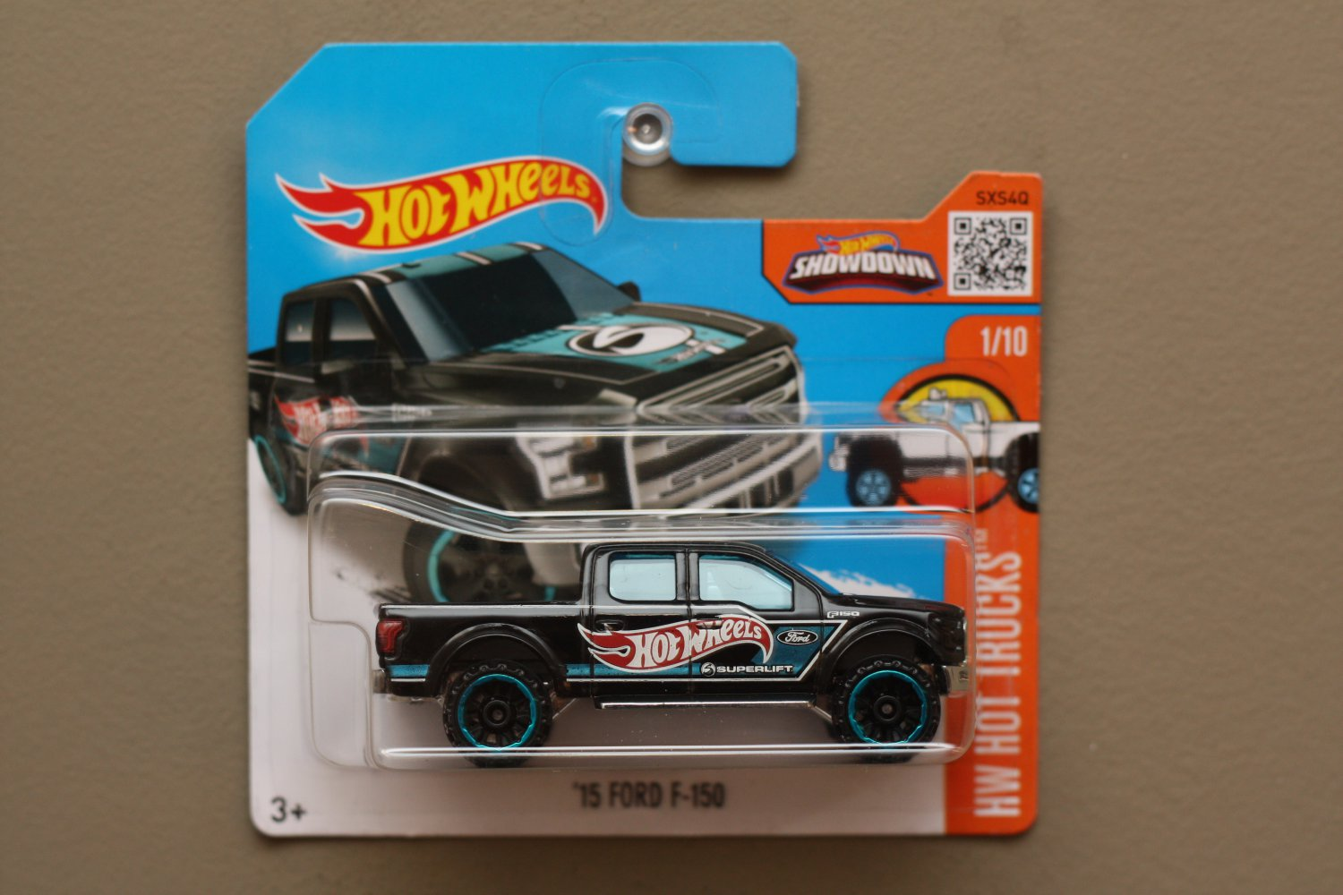 Hot wheels 2016 hw hot trucks 39 15 ford f 150 black for 9 salon hot wheels 2016