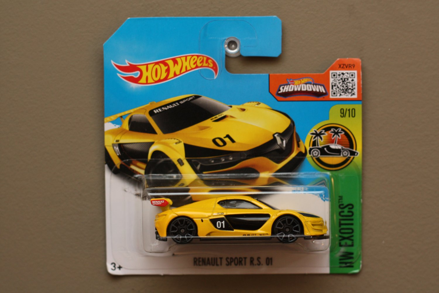 Hot Wheels 2016 HW Exotics Renault Sport R.S. 01 (yellow) (SEE CONDITION)